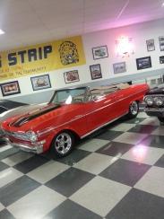 red dro top 50's car